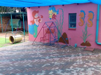 back-playground-2